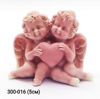 Мраморная крошка Ангелочки сидящие с сердцем