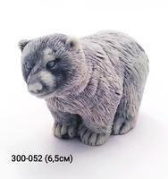 Мраморная крошка Медвежонок стоит