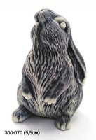 Мраморная крошка Кролик сидит